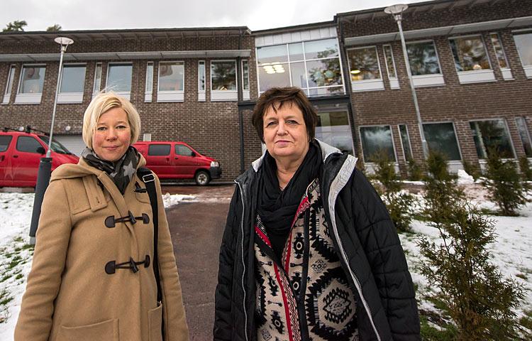 Kårkullassa sekä asiakkaita että työntekijöitä kannustetaan aktiiviseen elämänmenoon. Palvelujohtaja Miia Lindström ja aluejohtaja Clara Kronqvist-Sundström ovat menossa vahvasti mukana.