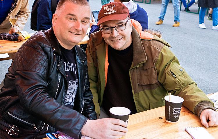 Britannialaiset Patrick Jervis ja Laurence Took olivat pettyneitä, kun PKN ei yltänyt Euroviisujen finaaliin.
