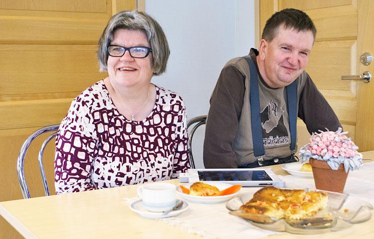 Anne Uusikorpi ja Mikko Viertola pitävät tärkeänä kehitysvammaisten näkymistä vahvemmin yhteis-kunnassa.