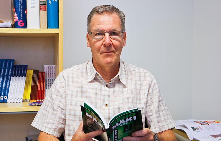 Ari Sainio on toiminut selkokielen parissa 1990-luvulta lähtien. Hän on sekä kirjoittanut että mukauttanut selkokirjoja, mukautuksia on kertynyt kymmenkunta.