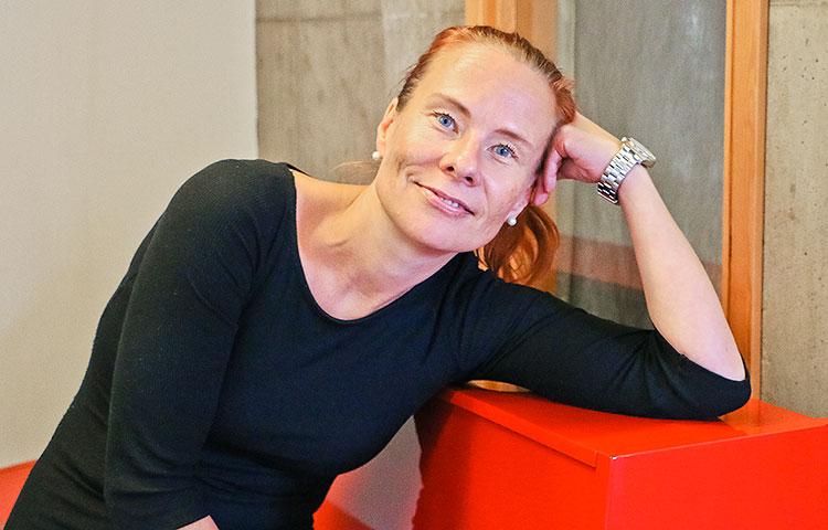 Tanja Hakkaraiselle on annettu laulun lahja, jota hän myös ilolla käyttää.
