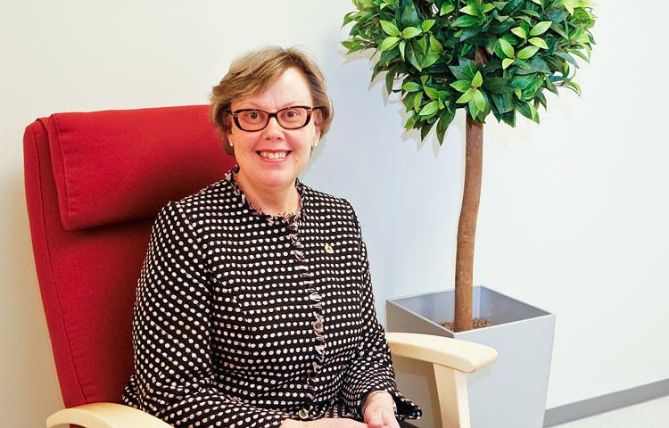 Kehitysvammahuollon johtaja Ulla Aspvik korostaa luottamuksen ja yhdessä tekemisen merkitystä sote-uudistuksen läpiviennissä.