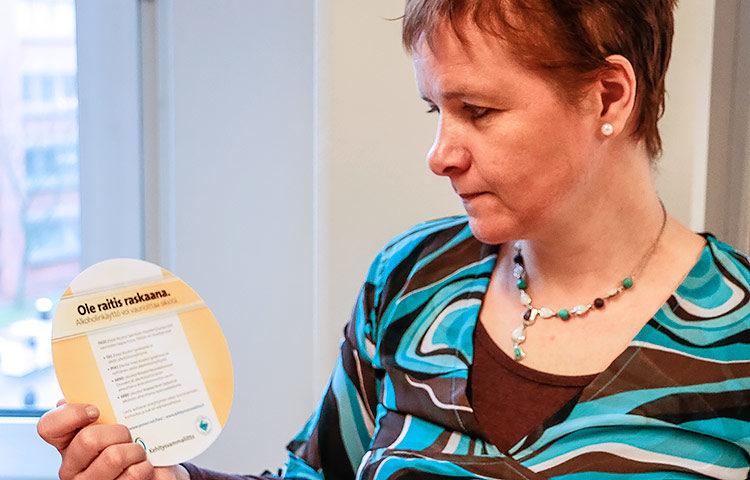 Edellinen FASD-hanke tuotti muun muassa raskaudenaikaisesta alkoholin käytöstä varoittavan raskauskiekon, jota jaetaan edelleen muun muassa neuvoloissa.