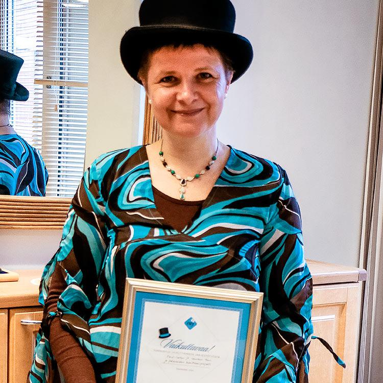 Vuonna 2013 Raha-automaattiyhdistys myönsi Vaikuttavaa-tunnustuspalkinnon Kehitysvammaliiton FASD-lasten ja -nuorten tuen ja palveluiden kehittämisprojektille. Sari Somer oli mukana myös tässä hankkeessa. Palkintoon kuuluu diplomin lisäksi myös hattu, joka päässä Somer kumppaneineen käy puhumassa FASD-asioista.