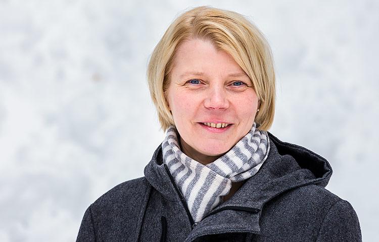 Anneli Hermanoffin kehitysvammaisten nuorten toisen asteen koulutuspolkuja tarkasteleva väitöskirja tarkastettiin Lapin yliopistossa 1.4.2016.