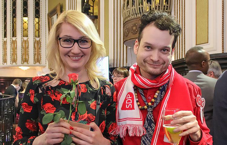 Vaalivalvojaisissa ruusun sai Maria Guzenina.