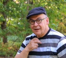 Markku Niemelä on virallisesti eläkeläinen, mutta toimii edelleen aktiivisesti kehitysvamma-alan vaikuttajana muun muassa Kehitysvammaliiton hallituksessa.