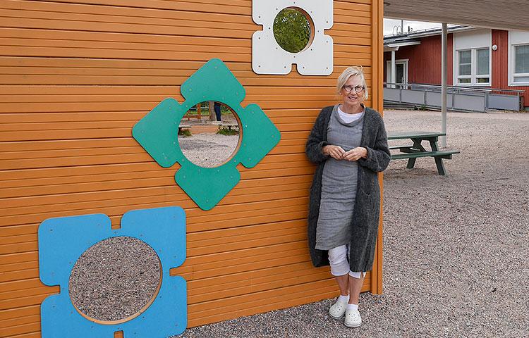 Reija Mäkipään mukaan suurimmat muutokset opetustyössä hänen uransa aikana ovat olleet oppilaiden kommunikointimahdollisuuksien parantuminen sekä tieto- ja viestintäteknologian tulo osaksi opetusta ja oppimista.
