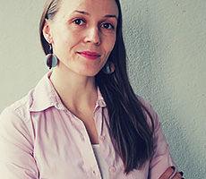 Maija Mäkelä on terveys- ja hyvinvointiaiheisiin erikoistunut vapaa toimittaja, jolle jooga ja mindfulness ovat elämäntapa.